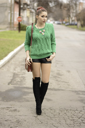 romwe jumper - Mart of China boots - Choies bag - Choies shorts