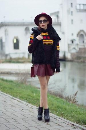 Choies hat - Ray Ban sunglasses - Choies skirt