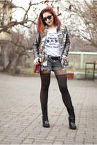 BAD style t-shirt - Mango boots - leather Choies bag