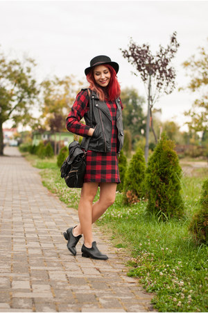 aupie bag - Choies boots - Frontrowshop dress - romwe hat