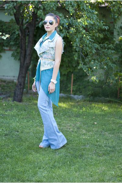 vintage vest - Levis jeans - Ray Ban sunglasses