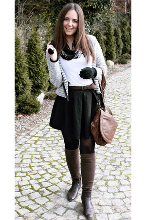 brown shoes - dark brown bag - black skirt - white jumper - dark brown belt
