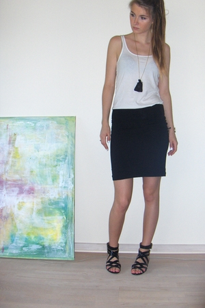 black cotton H&M skirt - black H&M shoes - black gold DIY necklace