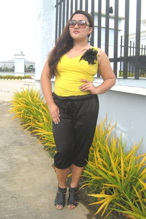 yellow blouse - black Erzullie pants - black janilyn wedges