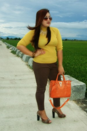 mustard gifted blouse - carrot orange Elements bag - dark brown Apartment pants