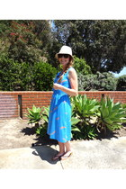 blue vintage dress - beige hat - black sandals