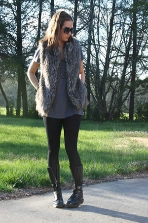 forever 21 vest - Express t-shirt - American Apparel leggings - doc martens boot