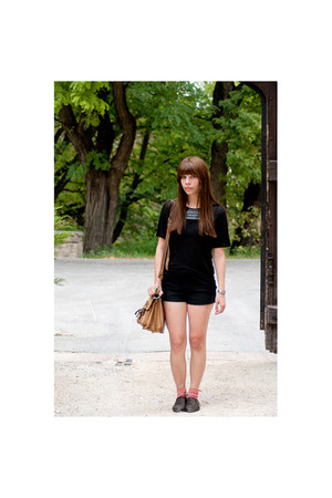 dark brown vintage shoes - black transparent Zara shirt - camel vintage bag