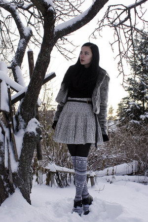 white BikBok skirt - white H&amp;M stockings - black H&amp;M sweater - gray Stradivarius