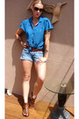 Light-blue-boyfriend-style-levis-shorts-blue-goodwill-score-vintage-top