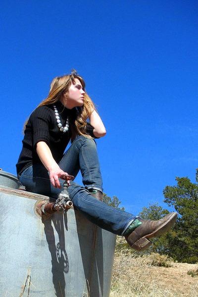 black none top - blue Levis jeans - orange thrifted belt - silver Native America