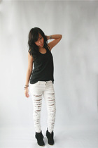 Dark White jeans - SM top - boots