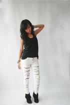 Dark White jeans - SM top - boots