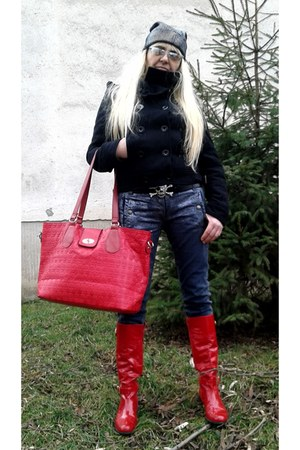 red Gucci boots