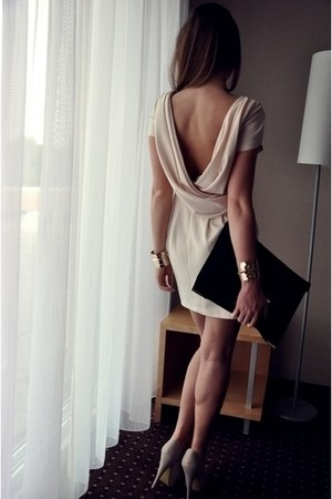 beige Zara dress - black black clutch pull&bear bag
