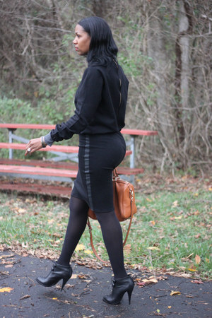 leather neck DIY sweater - bootie Givenchy boots - Gucci bag - DIY skirt
