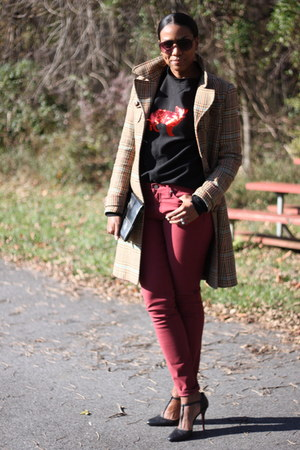 DIY sweatshirt - H&M coat - skinny Levis jeans - clutch Fendi bag