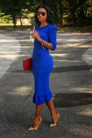 blue midi DIY dress - ruby red clutch Bottega Venetta bag