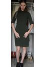 Green-calvin-klein-dress-black-nine-west-shoes-silver-necklace