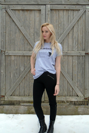 heather gray Sinceriously t-shirt - black Dolce Vita boots - black elle pants