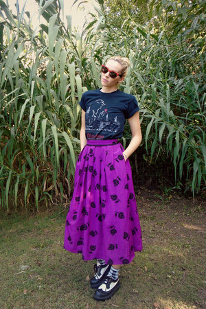 magenta Prophecy skirt - black vintage 90s Urban Works shoes