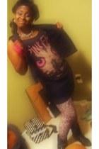 pink floyd Forever 21 shirt - Burkes tights - Forever 21 vest