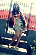 Colcci t-shirt - vintage skirt - Melissa shorts - Ray Ban sunglasses