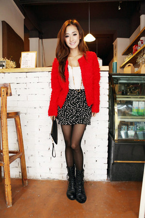 red blazer - black stars skirt