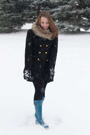 black wool peacoat Loft coat - turquoise blue wellies Joules boots