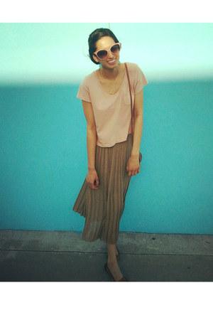 light brown pleated midi VJ-style skirt - tawny mini purse asos bag