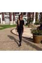 black Zara jeans - black banana republic shirt - black Ray Ban sunglasses