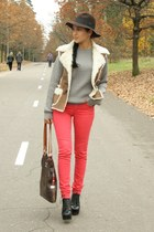 bronze Sheepskin vest - black Jeffrey Campbell boots - red Cubus jeans