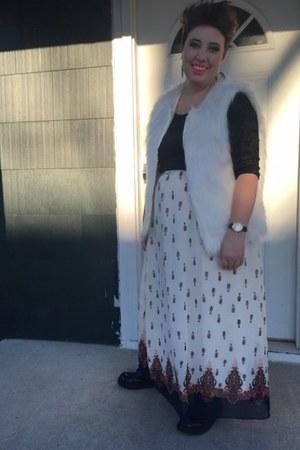 black Rue 21 glasses - black Goodwill boots - ivory long skirt Rue 21 skirt