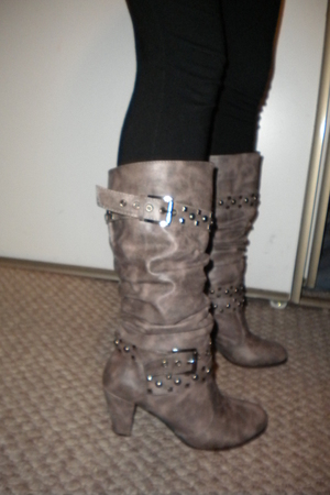 black Wet Seal boots - Wet Seal leggings