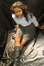 Black-skirt-blue-shirt-black-boots-brown-belt-black-tights