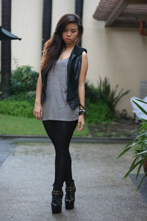 black Forever21 vest - black leggings - heather gray top