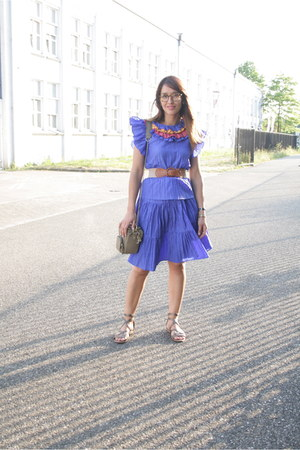 vintage dress - kipling & stylescrapbook bag - frida sandals