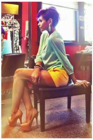 yellow calvin klein shorts - turquoise blue Zara top - ivory Steve Madden pumps