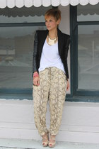 camel harem H&M pants - black leather sleeves Bebe blazer - cream Aldo sandals