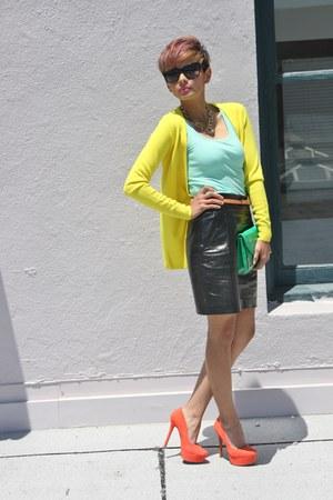 carrot orange Jessica Simpson pumps - black leather Express skirt