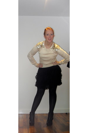 ivory H&M jumper - black asos boots - black Vila skirt