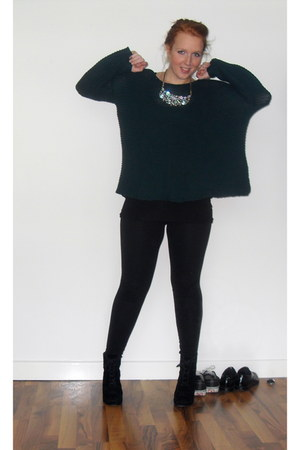 silver Primark necklace - dark green cotton Zara sweater - black H&M leggings