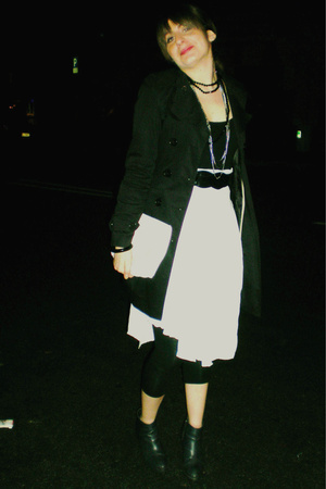 Zara jacket - vintage purse - vintage skirt - H&M shoes