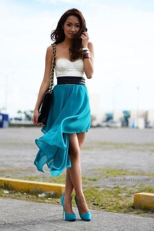 aquamarine skirt - black bag - aquamarine heels - ivory top