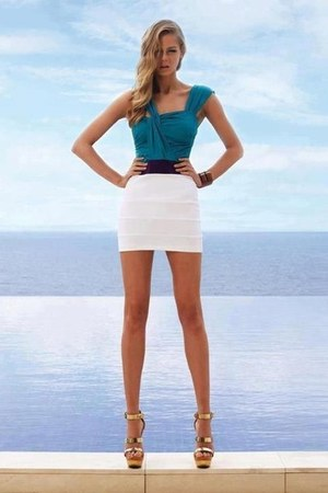 white skirt - turquoise blue top - light yellow heels