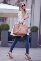 ivory coat - blue jeans - bronze bag - bronze heels