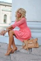 bubble gum dress - camel bag - camel heels
