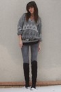 Gray-vintage-sweater-gray-diabless-jeans-gray-vintage-belt-black-vintage-b