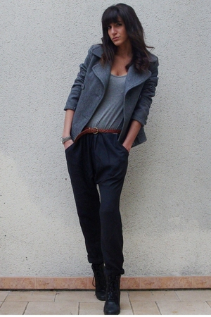gray jumpsuit Urban Outfitters pants - black Urban Outfitters shoes