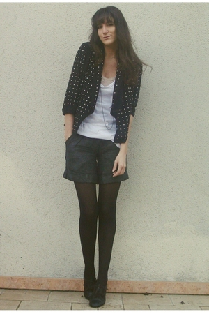 black H&M blazer - gray Antik Batik shorts - black H&M shoes